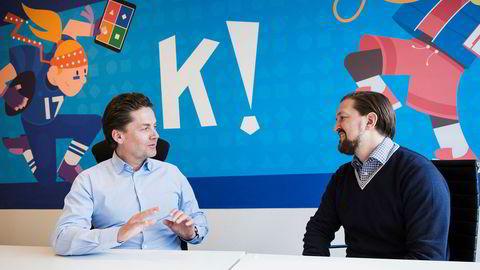 Styreleder Eilert Hanoa (til venstre) og administrerende direktør Åsmund Furuseth i Kahoot.
