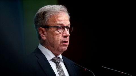 Sentralbanksjef Øystein Olsen annonserer ytterligere ekstraordinære F-lån til bankene fra og med torsdag 19. mars.