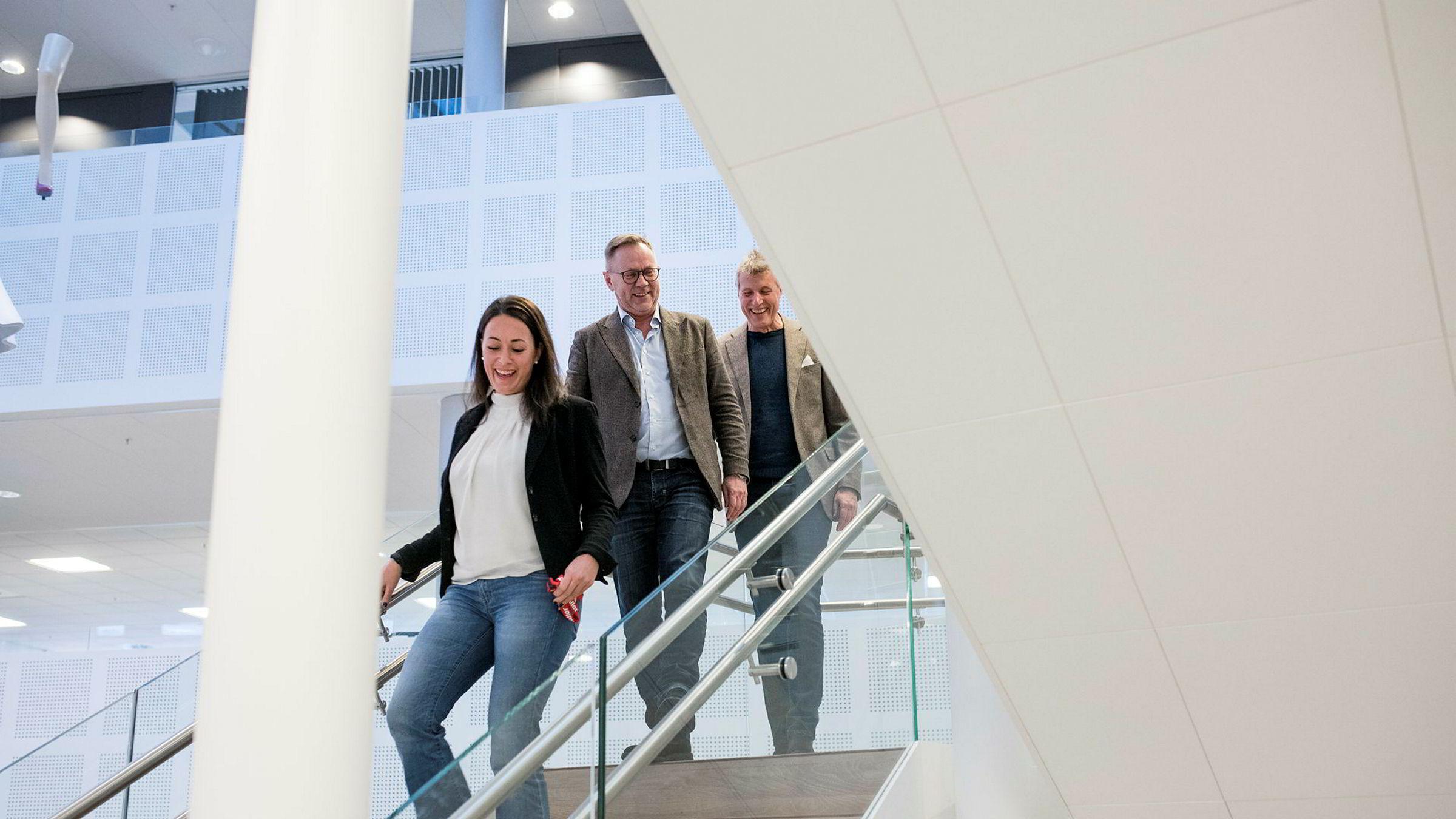 Økonomidirektør i Aller Anette Nordskog (fra venstre), sjefredaktør i Dagbladet John Arne Markussen og konsernsjef i Aller Dag Sørsdahl. Markussen er blitt daglig leder i Dagbladet Pluss as, mens Sørsdahl og Nordskog sitter i styret.