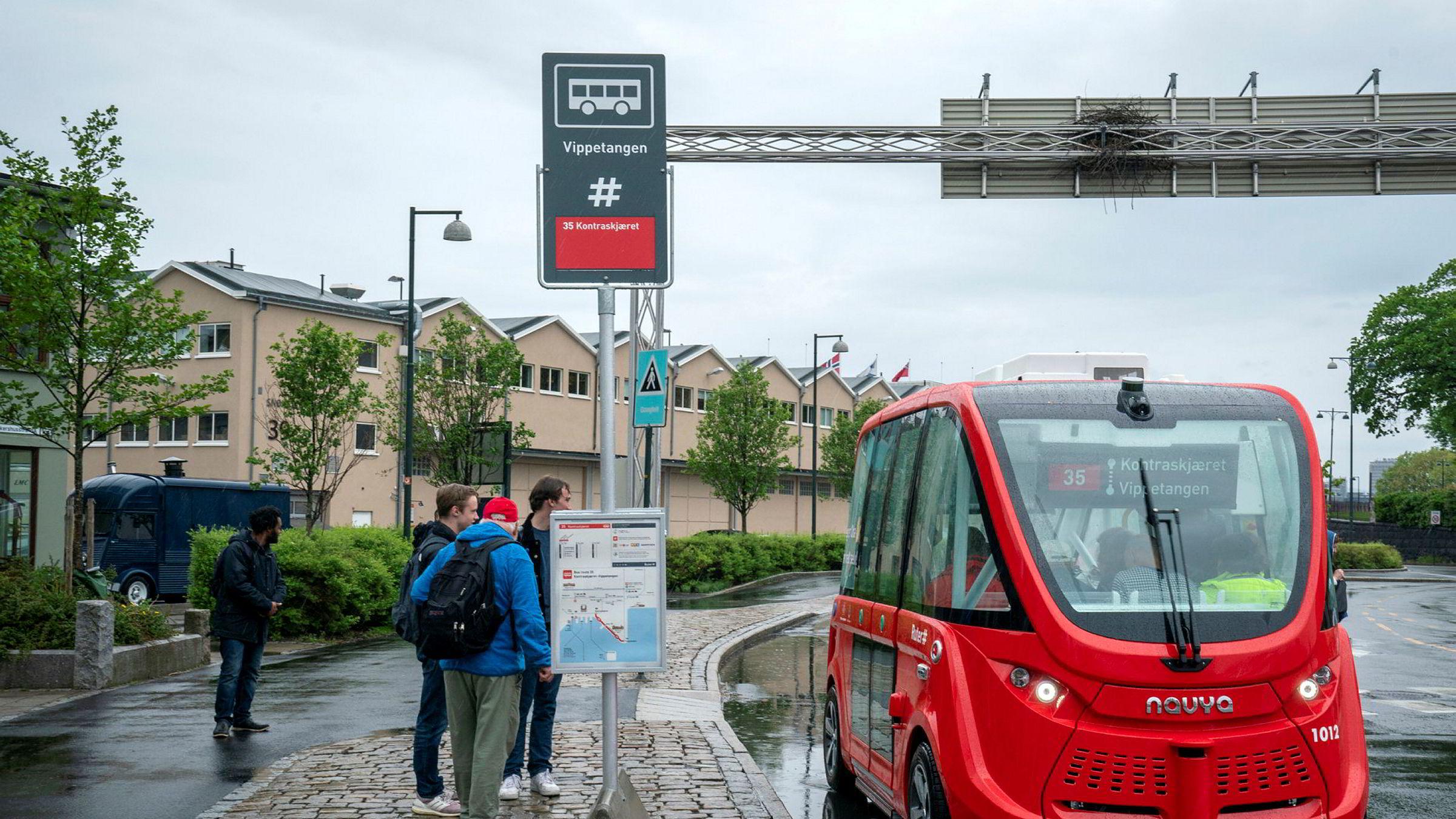 Hvor lite trenger du å vite om noe for å skjønne hva en teknologi er, hva den kan brukes til og hvorfor den er viktig. Her en selvkjørende el-buss i Oslo.