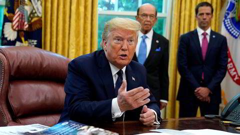 Investorene på Wall Street ser med uro på gnisningene mellom Donald Trumps USA og Kina.