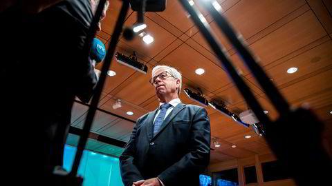Sentralbanksjef Øystein Olsen holder renten uendret.