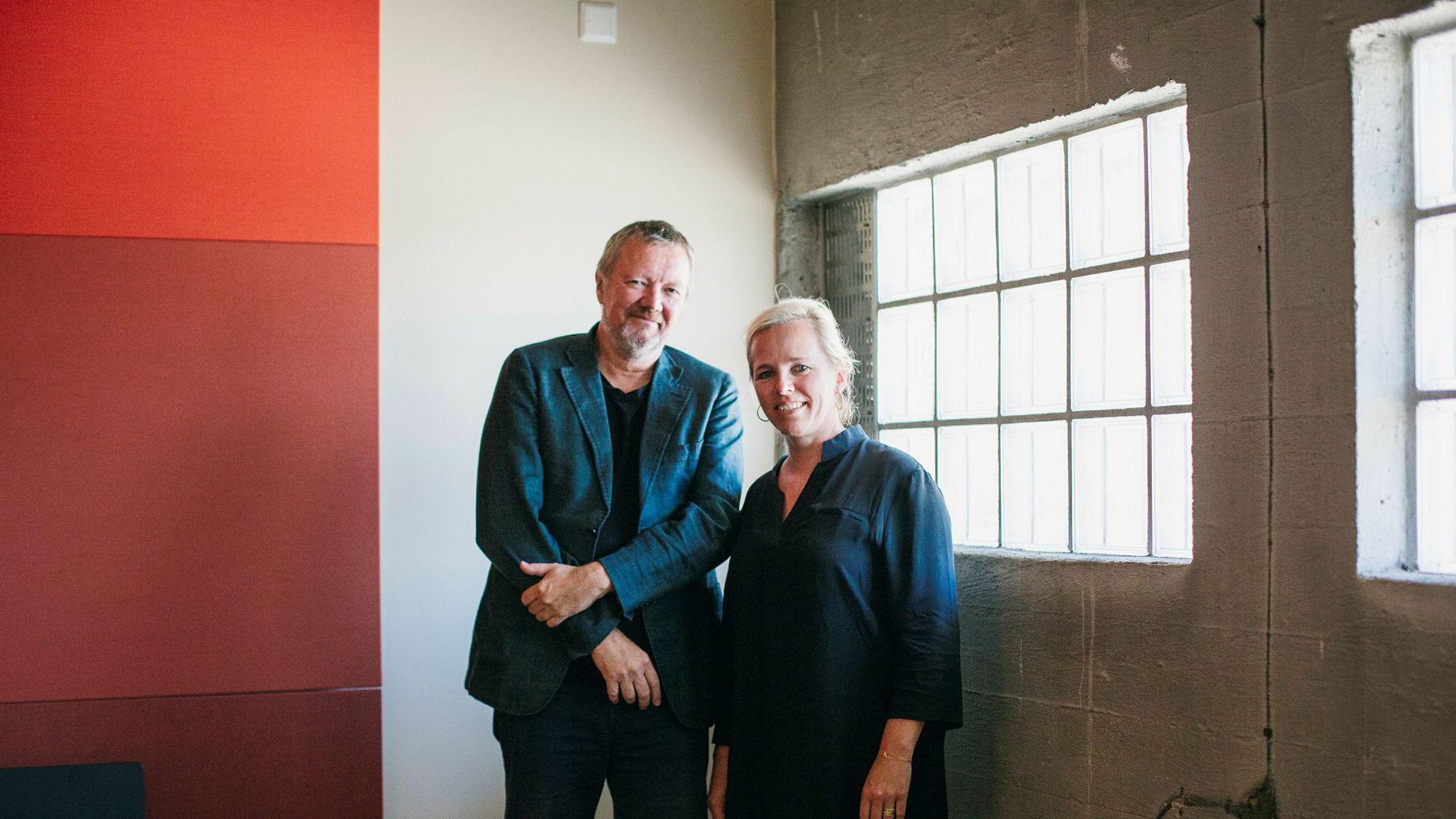 Gründer og eier Kjetil Trædal Thorsen og konsernsjef Isabella Alveberg er fornøyd med fjorårets resultater for Snøhetta.