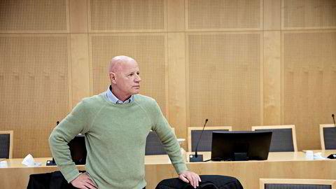 Ifølge torpedo Jan Erik Iversen ble han tilbudt 100 millioner av Kjell Inge Røkke for å fjerne Christer Tromsdal «for godt».
