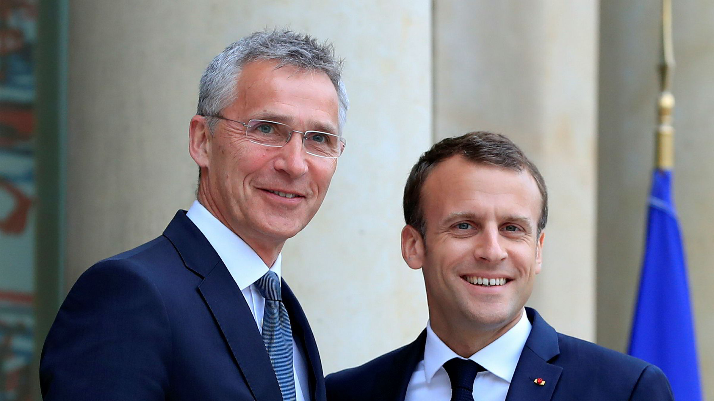 Natos generalsekretær Jens Stoltenberg møter Frankrikes president Emmanuel Macron i dag.