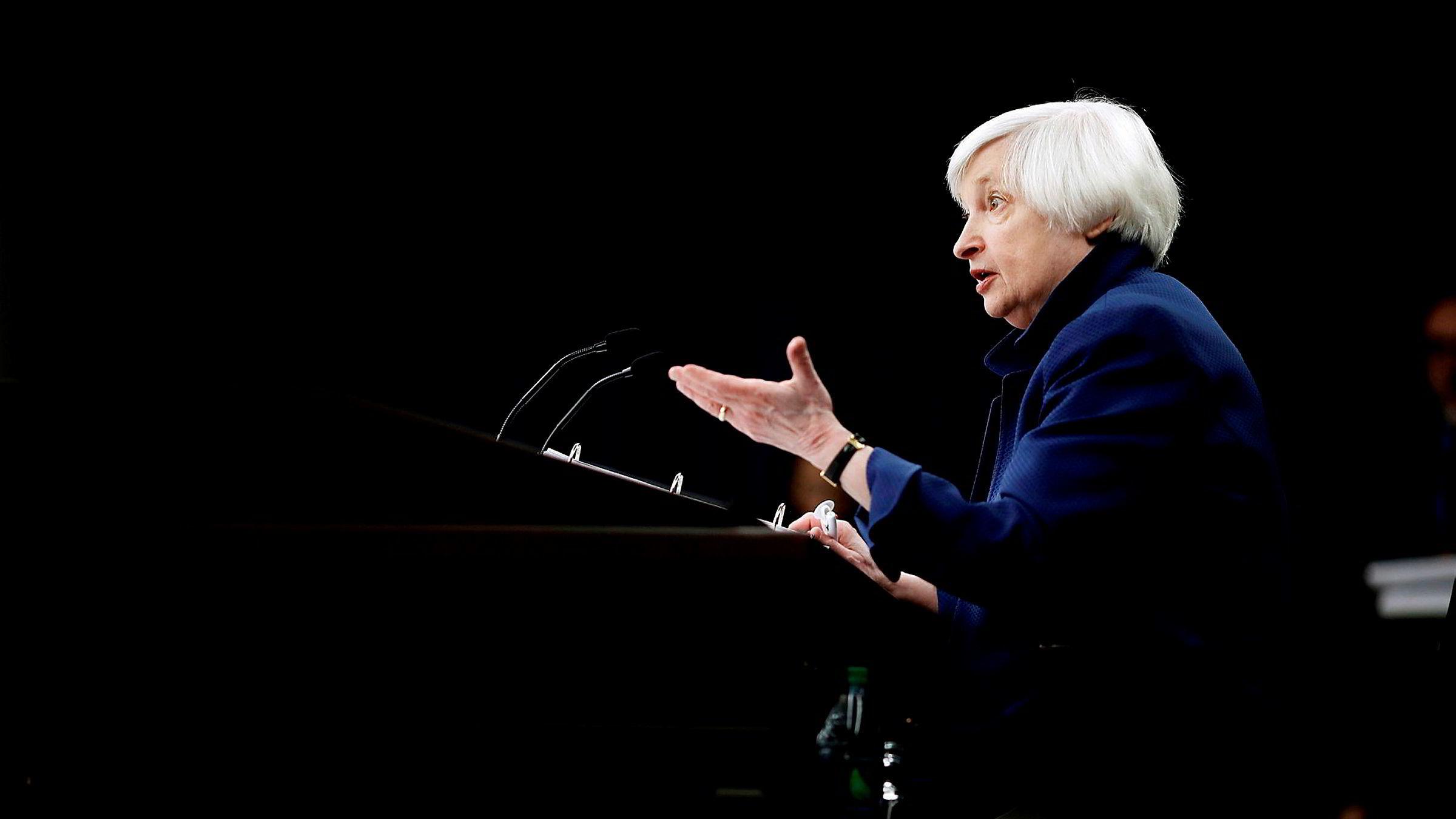 Janet Yellen har i dag stillingen som sentralbanksjef i USA, men flere ønsker stillingen neste år.
