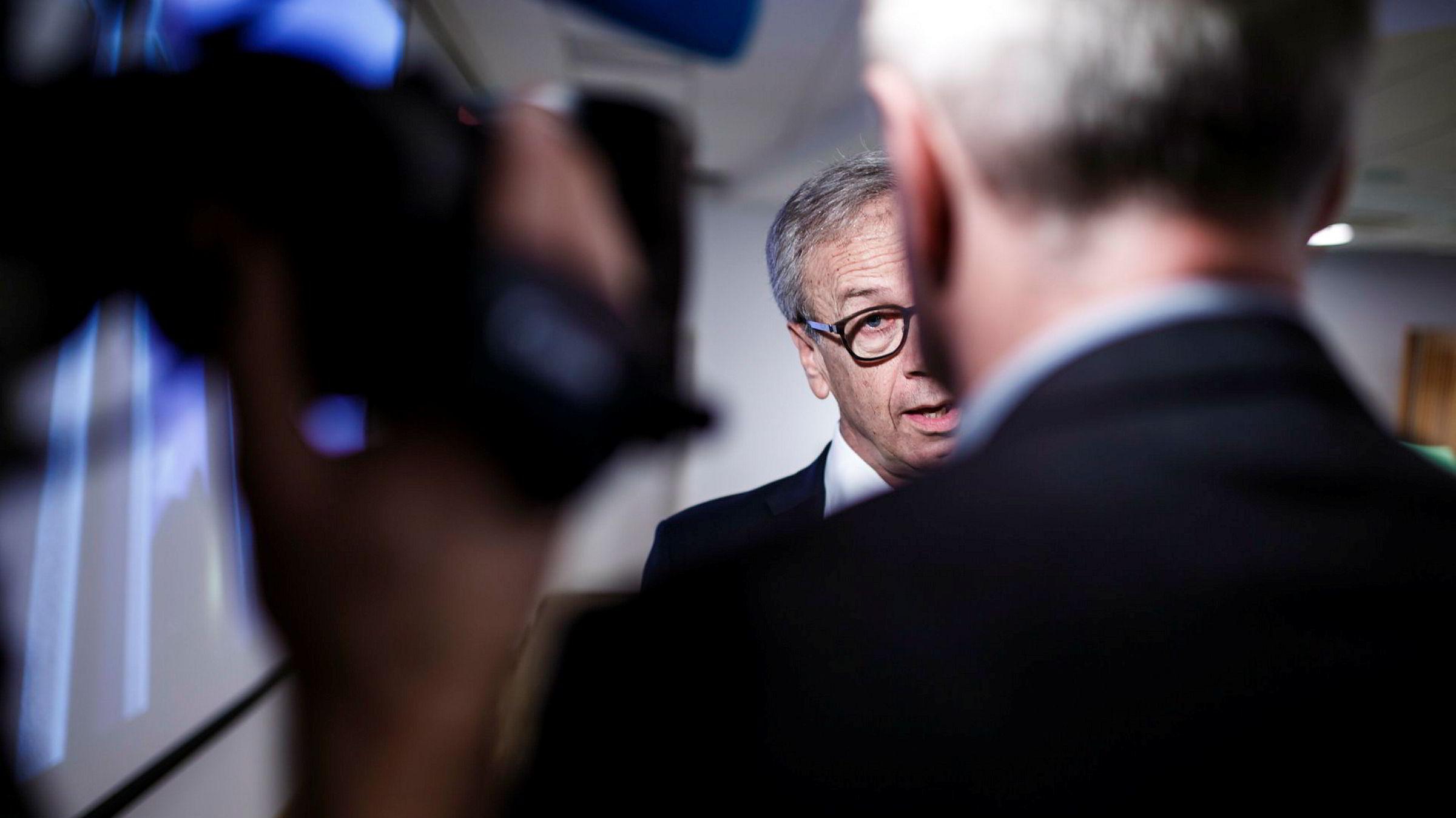 Sentralbanksjef Øystein Olsen mener Norges Bank er i stand til å ta vare på Oljefondet, gitt at det ikke går inn i eksempelvis unoterte aksjer. Torsdag redegjorde han for bankens høringssvar under et foredrag på Handelshøyskolen BI.