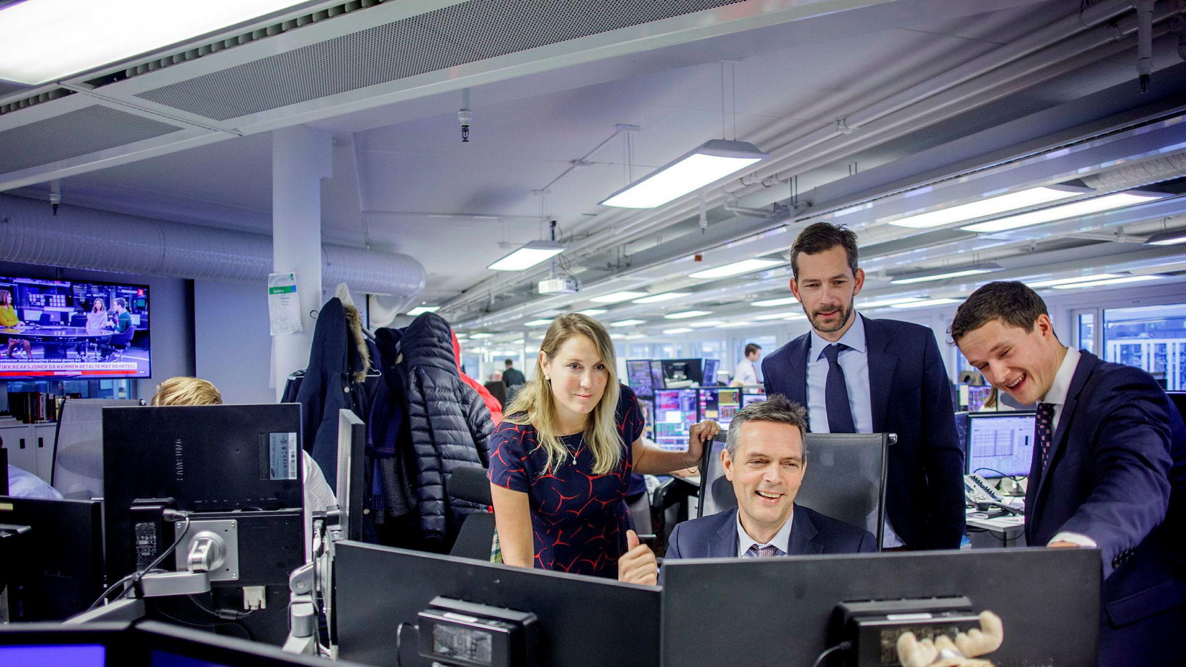 SEBs norske strategiteam, fra venstre; sjefstrateg Erica Blomgren, sjefstrateg for råvarer Bjarne Schieldrop, sjefanalytiker Thomas Eitzen og makroanalytiker Tobias Danielsen Øgrim. De mener kronen skal styrkes fra dagens nivåer.