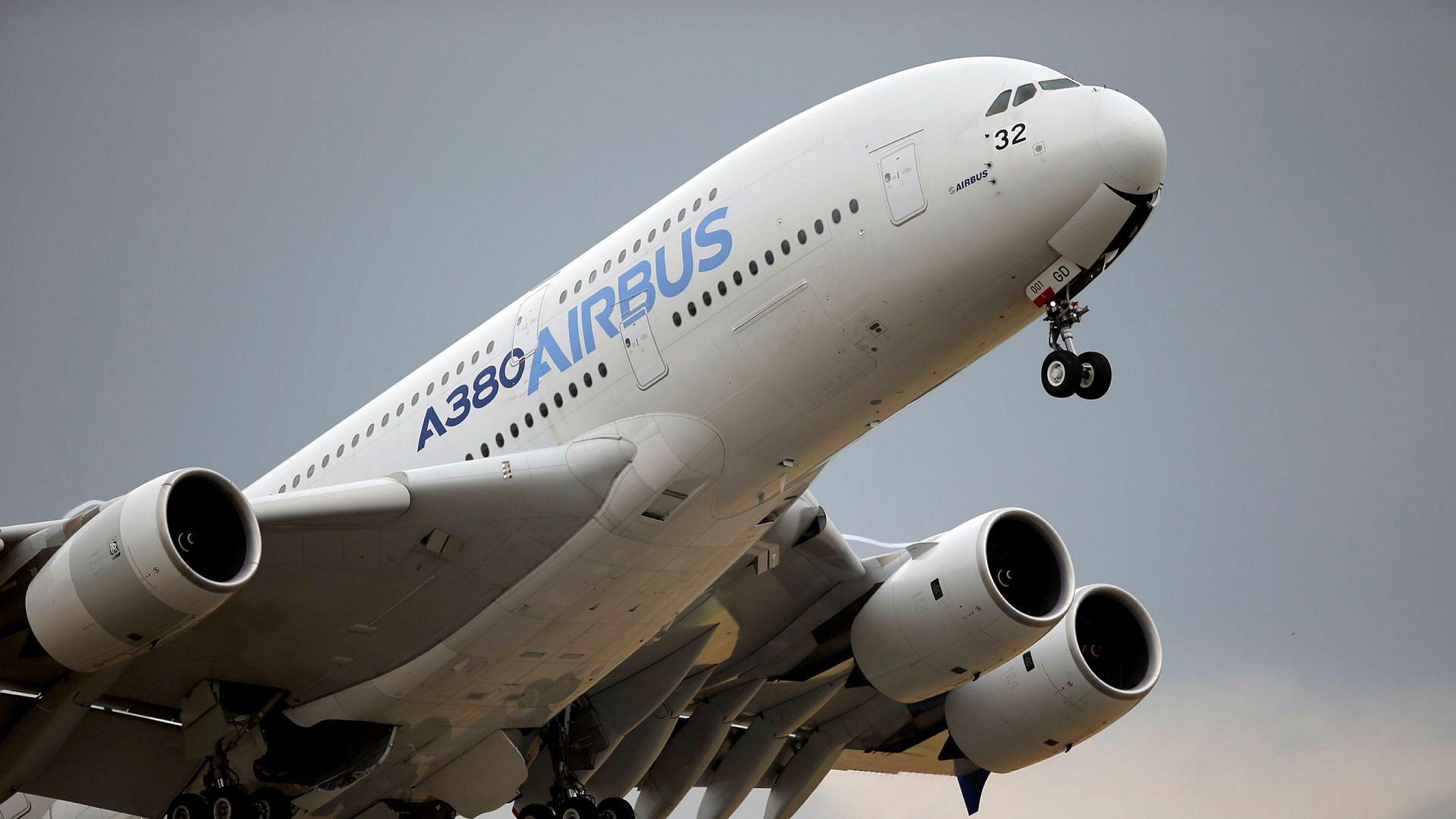 Både EU og USA har gitt ulovlig støtte til sine respektive flyprodusenter, Airbus og Boeing. Nå forbereder europeerne seg på å svare på straffetollen USA har innført på import fra EU.