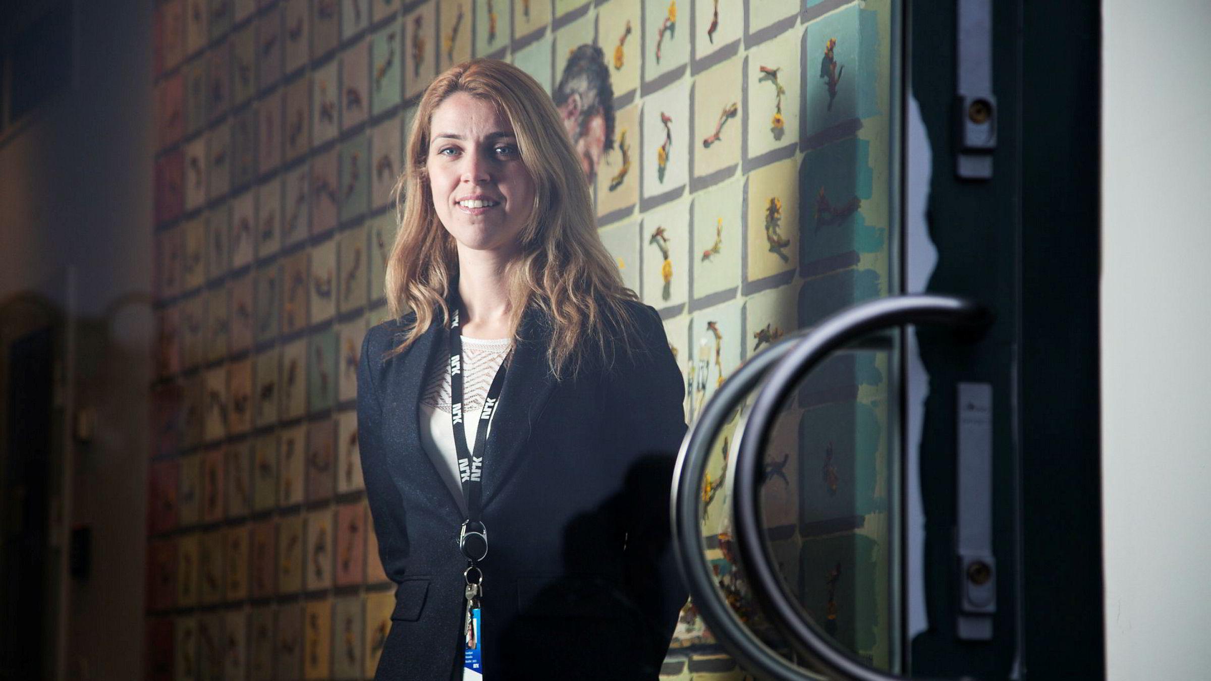 Alexandra Beverfjord i NRK kjenner seg ikke igjen i TV 2 beskrivelse av at rikskringkasteren er i ferd med å løpe fra TV 2 på lønninger.
