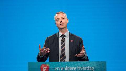Saken fra 2000 henger fortsatt over olje- og energiminister Terje Søviknes (Frp).