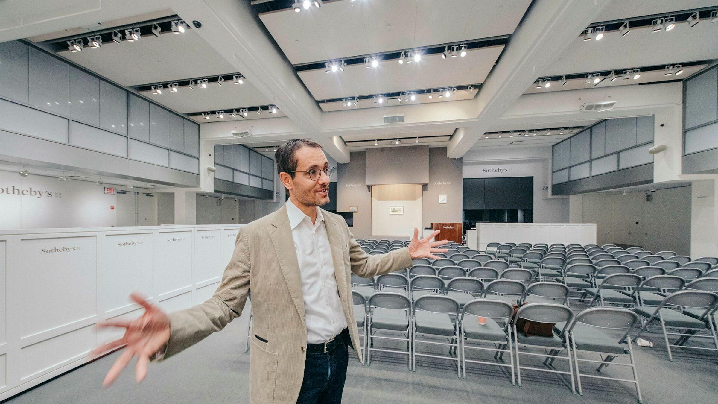 Grégoire Billault hos Sotheby's i New York forbereder årets største hendelse – en stor kunstauksjon i mai i år. Da skal et norskeid maleri av Francis Bacon forsøke seg på prisrekord. – Da må vi har inn mange flere stoler, og rommet blir helt fullt, sier Billault.