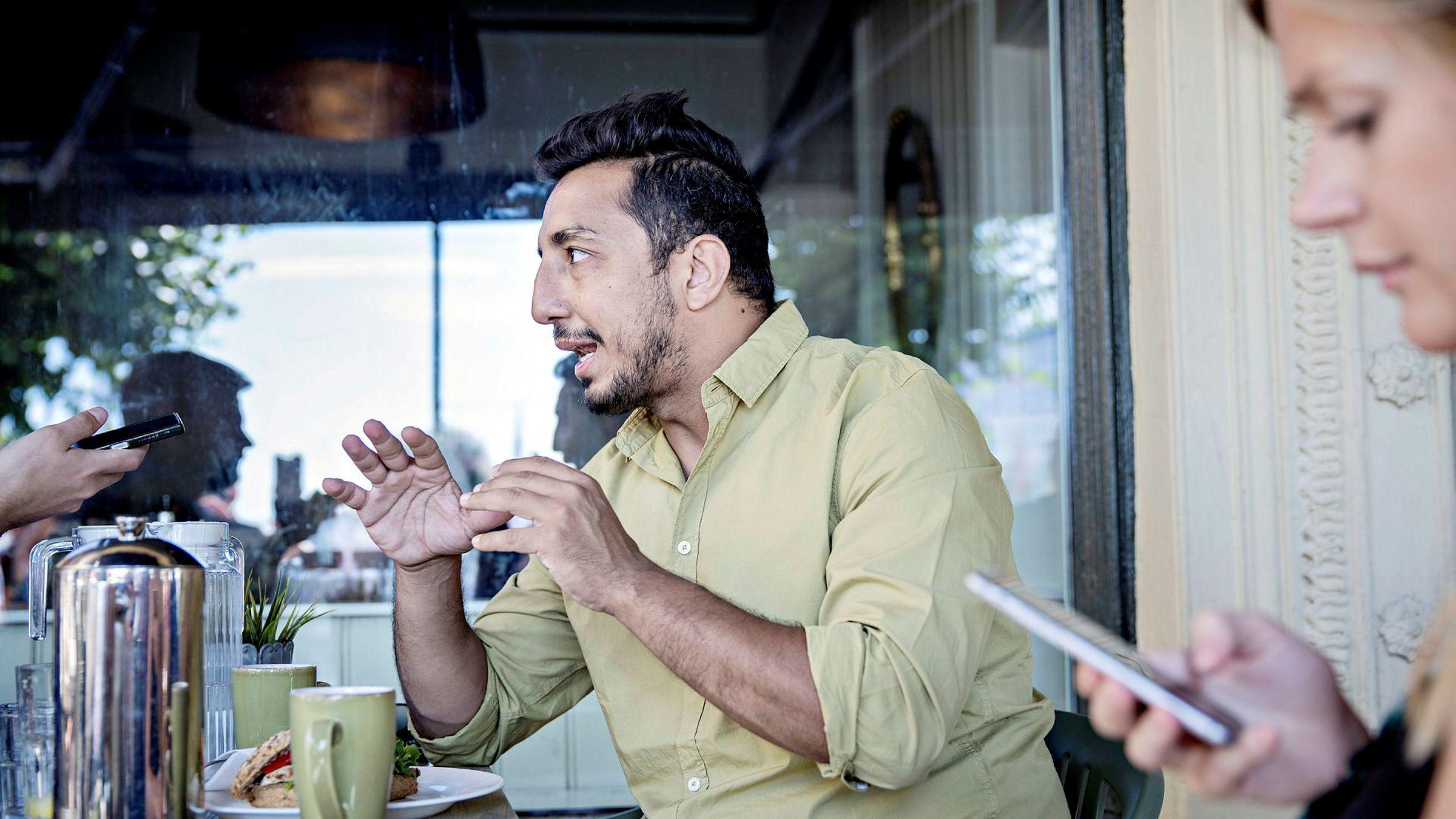 Schibsteds sosiale medier-sjef Ehsan Fadakar besøker Arendalsuka. Det gjør også kjæresten Bodil Sidén (til høyre), som er kommunikasjonsansvarlig for Uber i Skandinavia.
