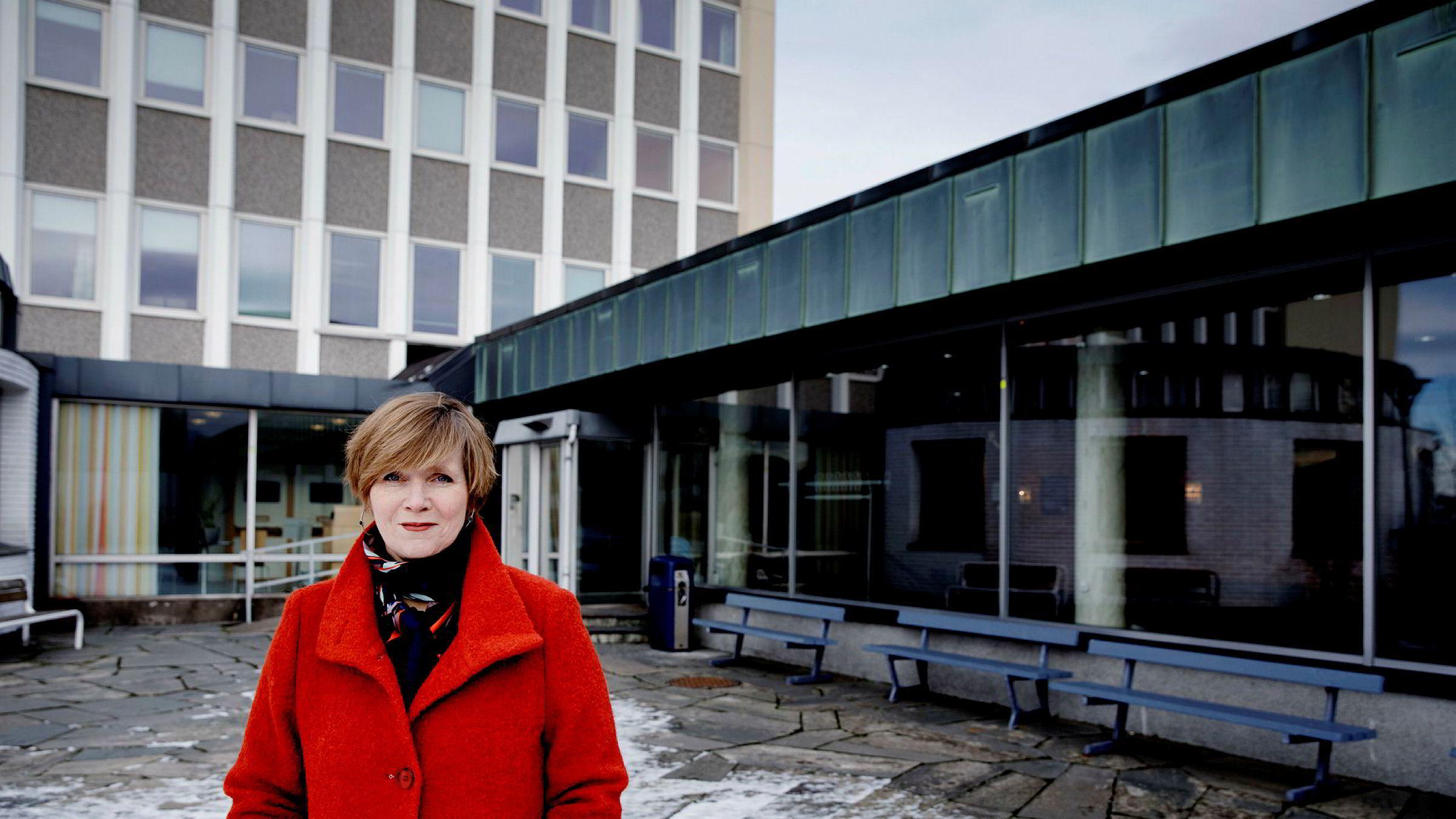 Tidligere konkurransedirektøren Christine B. Meyer får kritikk fra matvarebransjen for påstått rolleblanding.