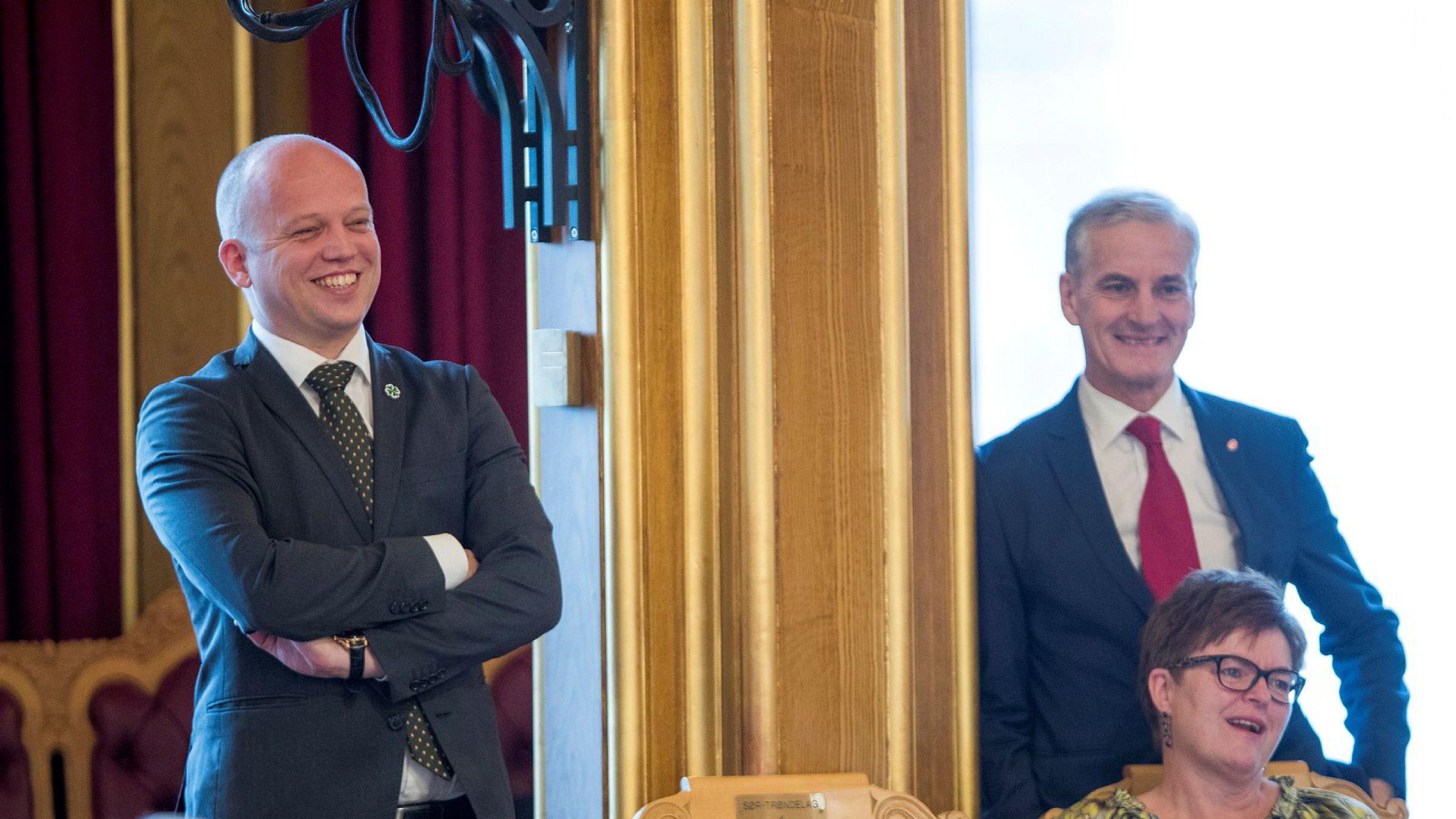Drøyt én av tre sier de vil foretrekke Trygve Slagsvold Vedum som lederen for en eventuell rødgrønn regjering. Jonas Gahr Støre får støtte fra 44 prosent.