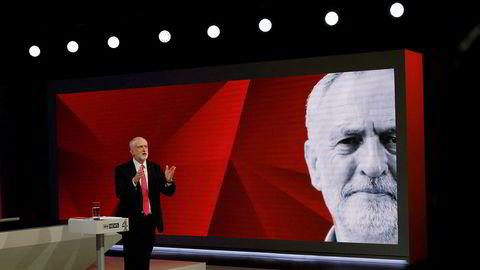 Labour og partileder Jeremy Corbyn kan glede seg over fremgang på siste måling.