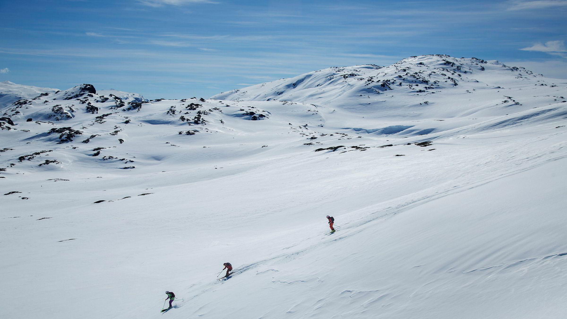Ane Evjen Mathiesen, Synnøve Medhus og Kamilla Bratteteig kjører mange bratte turer sammen. Men denne dagen valgte de en slakere fjellside.