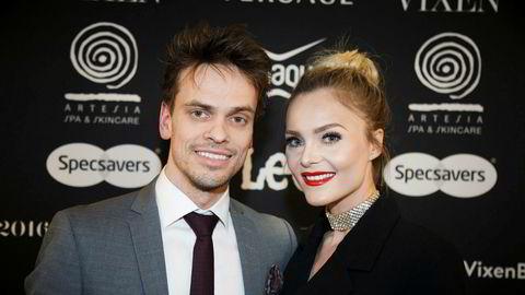 Blogger Caroline Berg Eriksen og ektemannen Lars-Kristian Eriksen under Vixen Blog Awards 2016 på Grand Hotel i Oslo i fjor.