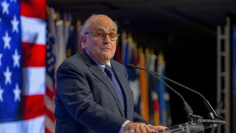 Donald Trumps advokat Rudy Giuliani utelukker ikke at det har skjedd flere utbetalinger til kvinner.