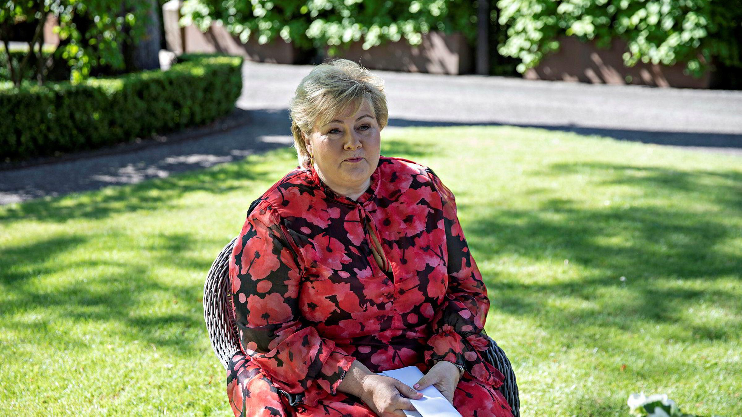 Fremover må statsminister Erna Solberg finne frem kalkulatoren litt oftere.