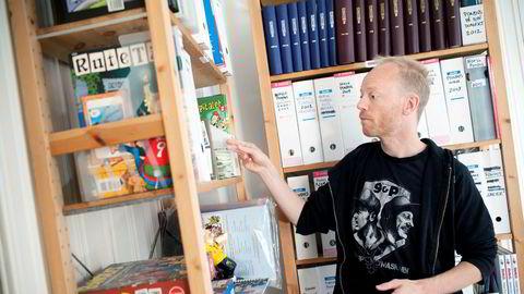 Tegneserieagent Håkon Strand er deleier i Pondus-selskapet sammen med tegneserieskaper Frode Øverli. Fjorårets regnskap viser et svakere resultat enn tidligere.