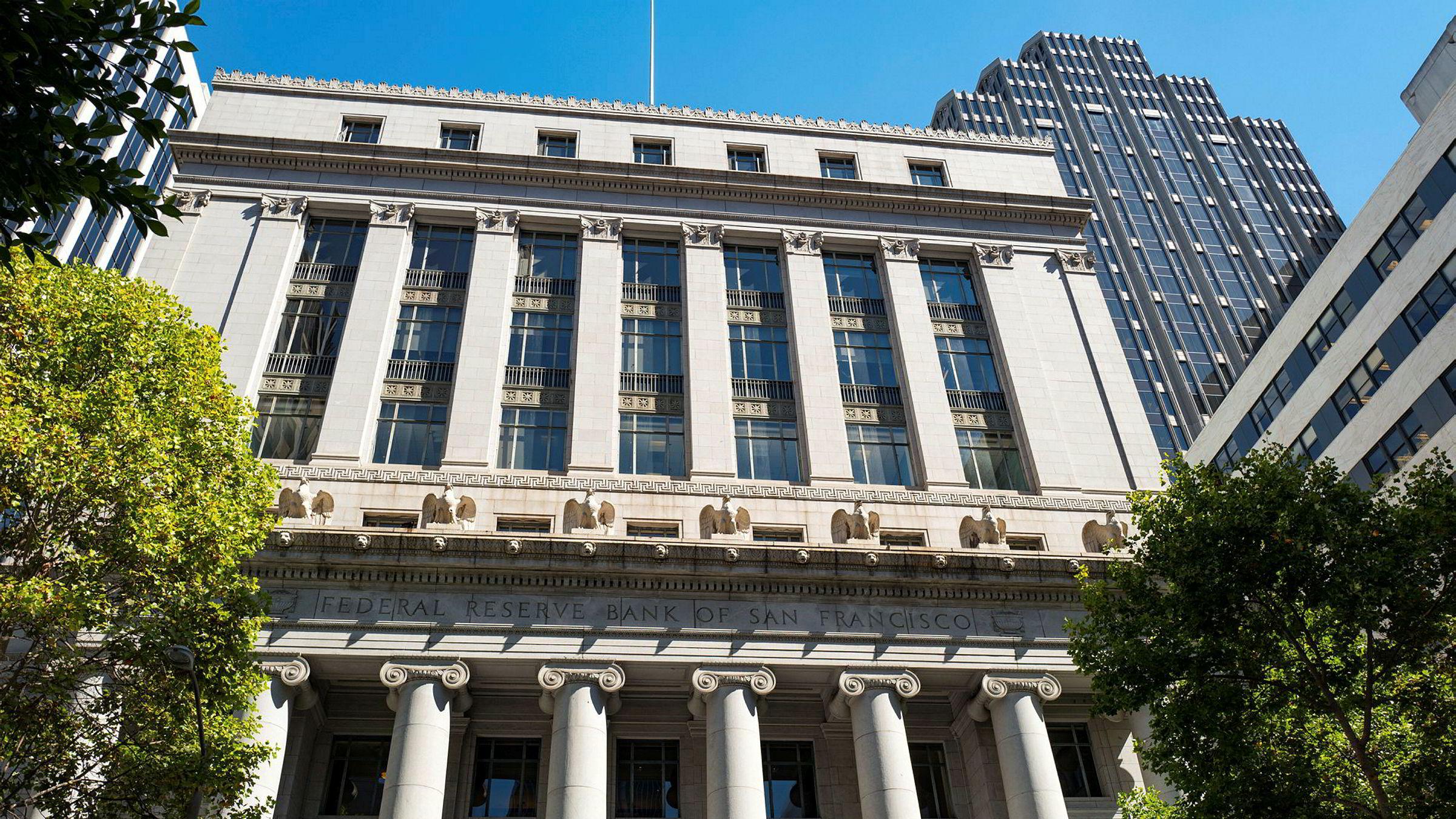 Mange bruker nøkkeltall til å si noe om aksjemarkedet, og en gjennomsnittlig strateg har et stort nøkkelknippe. Det er nesten alltid mulig å finne nøkkeltall som peker den ene eller den andre veien – samtidig. Her sentralbanken i San Francisco.