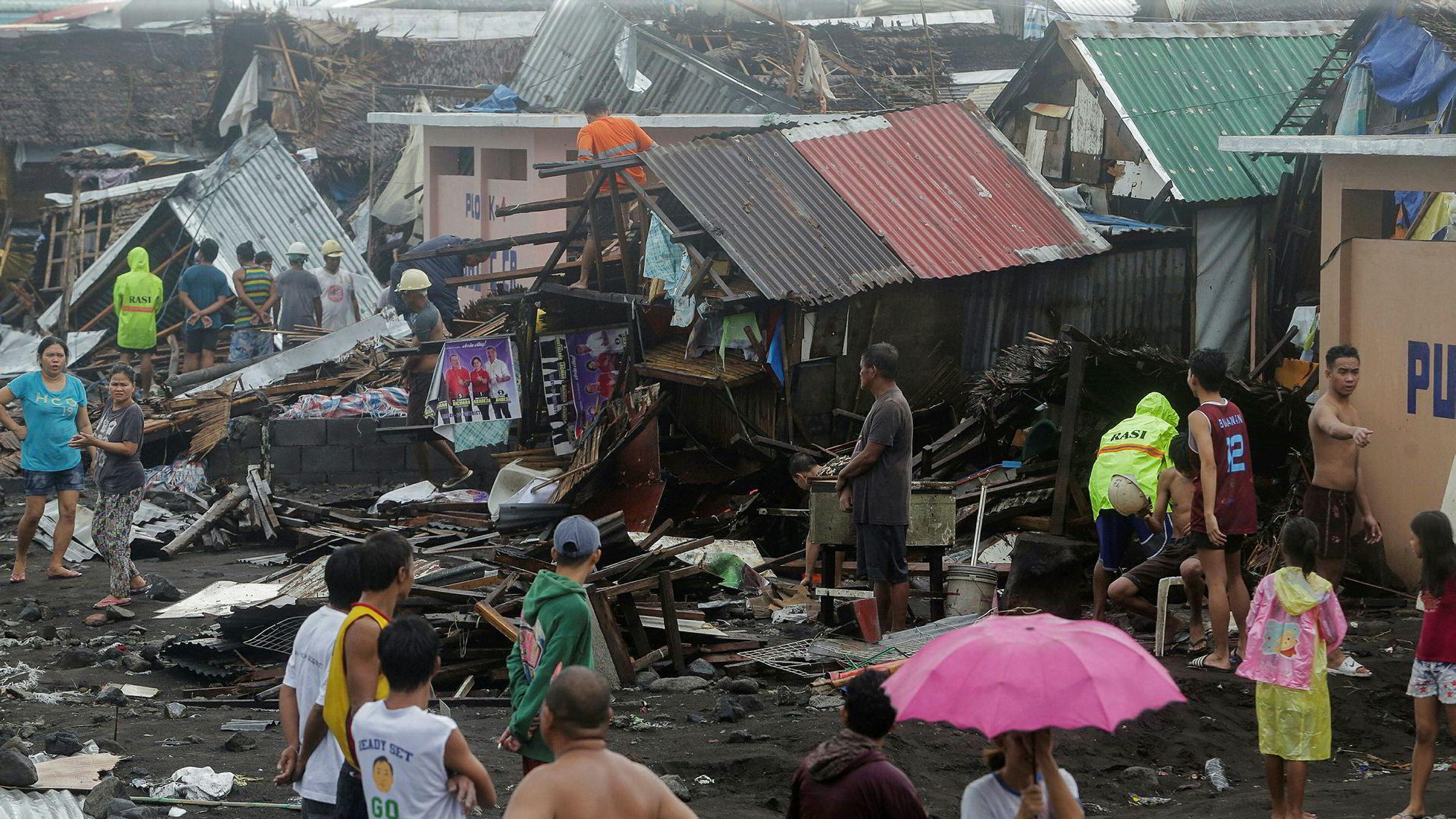 Tyfonen Kammuri har forårsaket store ødeleggelser på Filippinene.