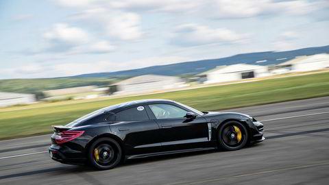Porsche er nå på 20. plass blant norske bilmerker. 267 av de 419 registrerte bilene er av elbilen Taycan.