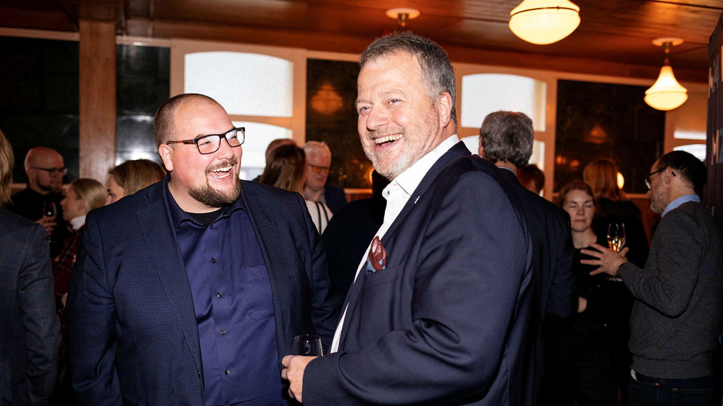 Samme dag som Medier24 feirer fem år kjøper sjefredaktør Erik Waatland i Medier24 ut Teknisk Ukeblad av avisen. Her med daglig leder Jan Molven Moberg i Teknisk Ukeblad på bursdagsfeiringen på Villa Paradiso tirsdag.