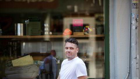 Henrik Henriksen har mange hatter i matverdenen, som kokk, matjournalist, kokebokforfatter, og restaurantgründer er det vanskelig å tro at han også har 13 år i filmbransjen bak seg.