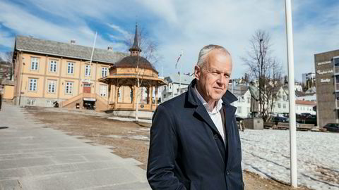 Direktør Ole-Wilhelm Meyer i Opplysningsvesenets fond står i front for en stor aksjonærgruppe som vil fremme benkeforslag mot valgkomiteens innstilling til nytt konsernstyre i Vårt Land-eier Mentor Medier.