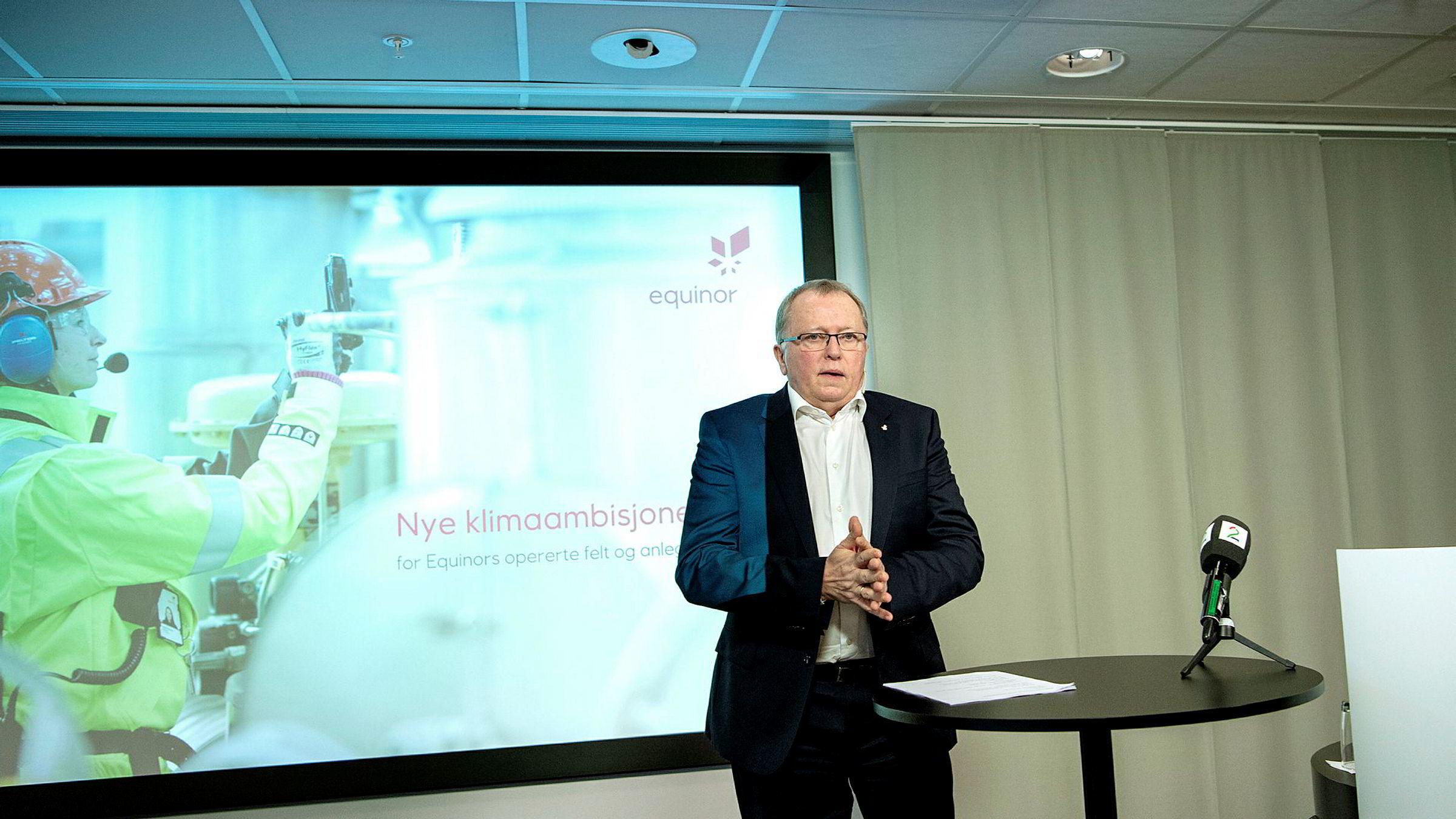 Konsernsjef i Equinor, Eldar Sætre, under mandagens pressekonferanse.