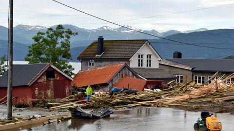 Forsikringsselskapet Gjensidige regner med at utbetalingene etter flommen vil kunne komme opp i et tosifret millionbeløp.Foto: Hans Ivar Moss Kolseth / NTB scanpix