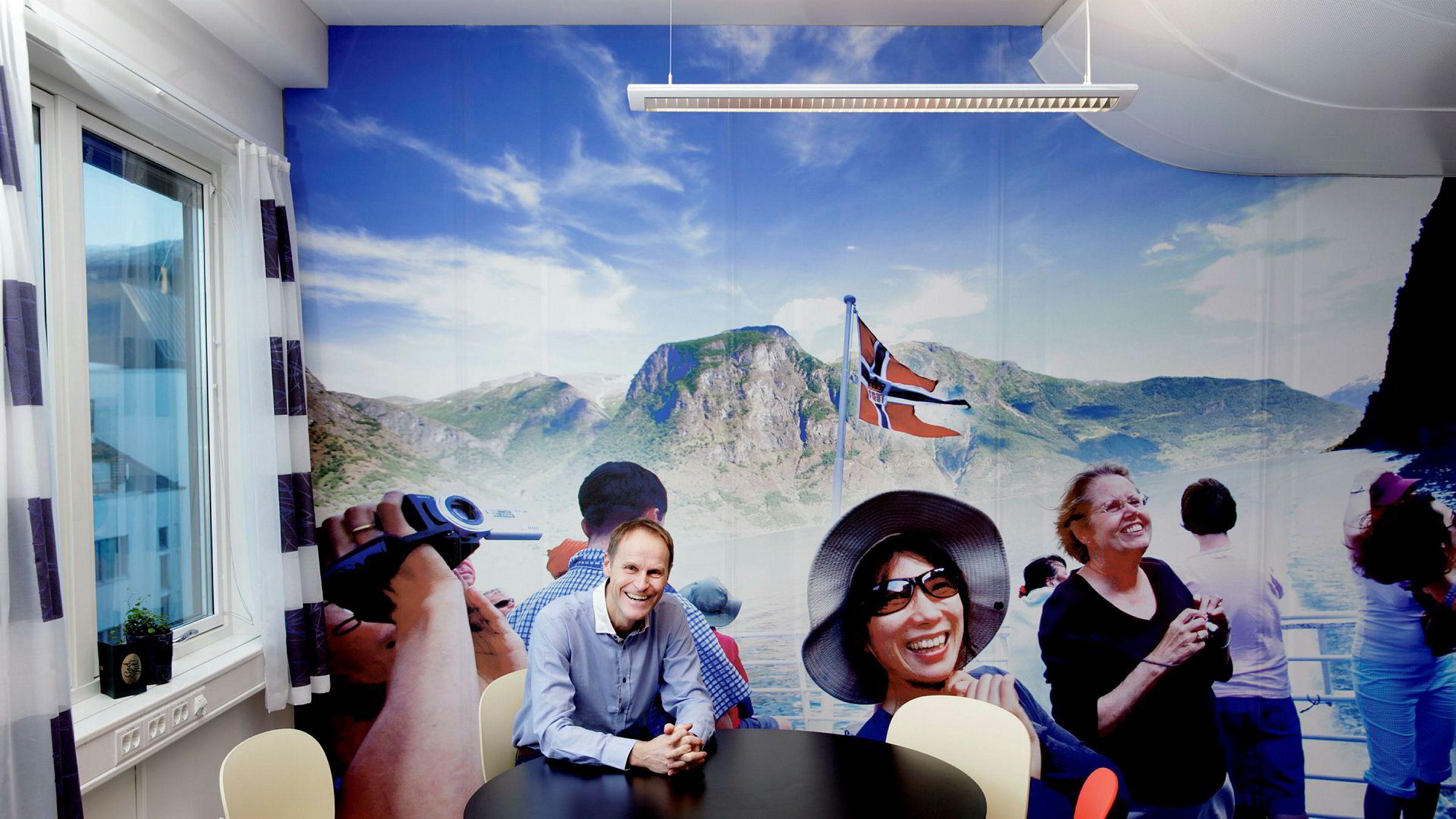 Steinar Aase, administrerende direktør i Fjord Tours i Bergen, økte både inntekter og resultat kraftig i et år der utenlandsturismen til Norge sto ganske stille.