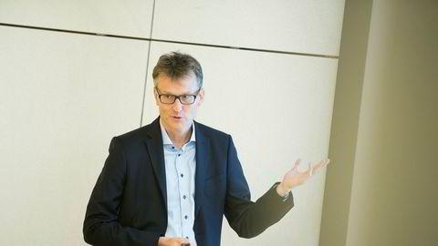 Seniorøkonom Knut A. Magnussen i DNB Markets sier det globale vekstbildet ser bra ut, men at det fortsatt finnes en rekke risikofaktorer som kan gjøre 2018 mer turbulent enn fjoråret.