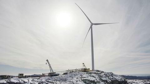 Bare ikke her, sier alle om vindmøllene. Men hva med noen vindmøller på åsene rundt Oslo, er forslaget i ett av debattinnleggene denne uken.