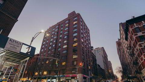 I 2010 punget tankesmien ut for en leilighet i dette bygget på Upper East Side på Manhattan.