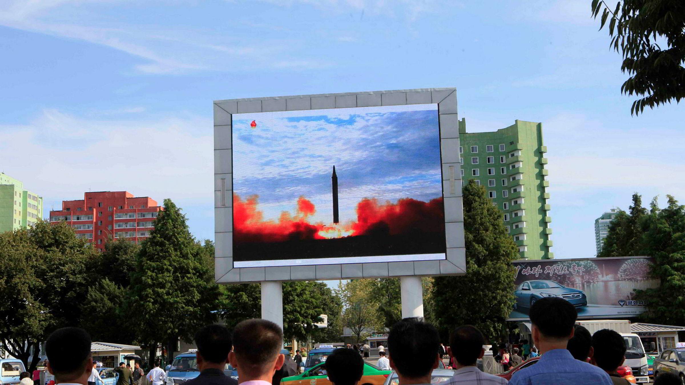 Nord-Korea testet et nyutviklet missil av typen Hwasong-12 i september.
