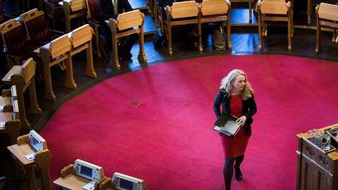 Torsdag mottar arbeids- og sosialminister Anniken Hauglie Varslingsutvalgets utredning om hvordan varslervernet kan styrkes.