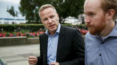 Her Resetts redaktør Helge Lurås (til venstre) og Bjørn Ihler produsent.