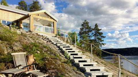 Da Norge stengte ned i mars, forduftet alle utenlandske reservasjoner over natten for utleieren av denne eksklusive hytta ved Bunnefjorden, der scener i tv-serien «Exit» ble spil inn, Men nordmenn har stort sett overtatt alle gjestedøgn som forsvant.