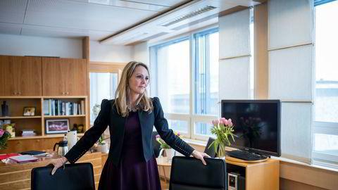 Barne- og likestillingsminister Linda Hofstad Helleland har lagt vekt på at dagens krav til at kvinner må arbeide for at menn skal få permisjon styrker kvinners tilknytning til arbeidslivet.