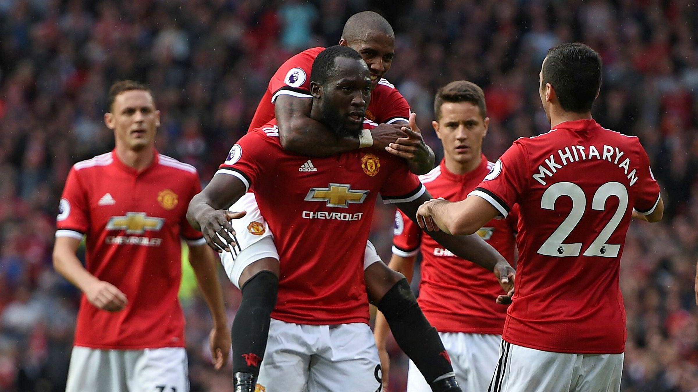 Romelu Lukaku feirer med lagkameratene etter Manchester Uniteds andre mål mot Everton 17. september. Nå vil Amazon, Facebook og Netflix kjempe om rettighetene til ligaen, ifølge klubbens administrerende direktør Ed Woodward.