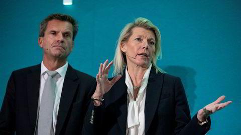 Konsernsjef Kjerstin Braathen i DNB og finansdirektør Ottar Ertzeid ville ikke kommentere kursfallet mandag, men benyttet anledningen til å hamstre på billigsalg.