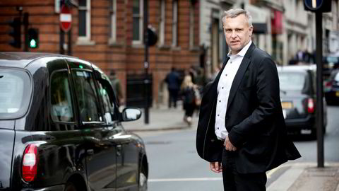 Sven Ombudstvedt har bidratt til å gjenreise papirselskapet Norske Skog fra asken. Nå er det imidlertid tyngre tider i vente.