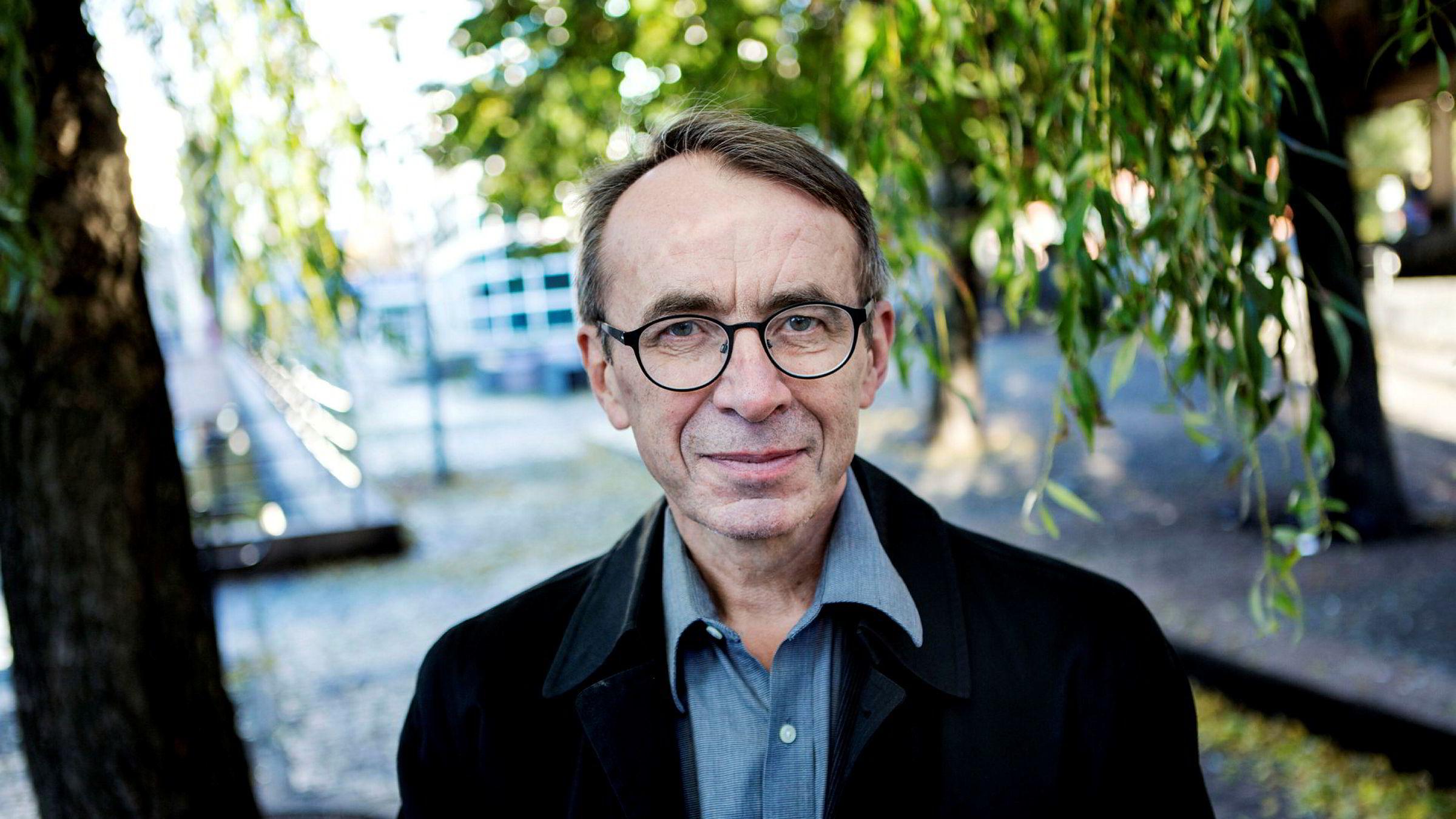 Skatterettsprofessor Ole Gjems-Onstad mener det er gått inflasjon i menneskerettighetene og at de utgjør et demokratisk problem, skriver forfatteren.
