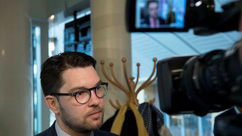 Sverigedemokraternas leder Jimmie Åkesson kan glede seg over de siste meningsmålingene, som viser at partiet nå er like store som Moderaterna.