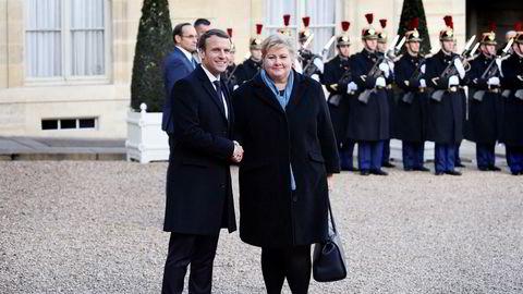 I desember troppet statsminister Erna Solberg opp i Paris hos president Emmanuel Macron. Macron annonserte at han har fått med seg Oljefondet på et initiativ der statlige investeringsfond skal utvikle klimastandarder.