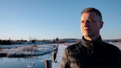 Johannes Stefansson oppholder seg på hemmelig adresse på Island av sikkerhetsgrunner, etter å ha lekket mer enn 30.000 dokumenter til Wikileaks, som blant annet angivelig skal vise at namibiske topp-politikere mottok korrupte utbetalinger fra Samherji.