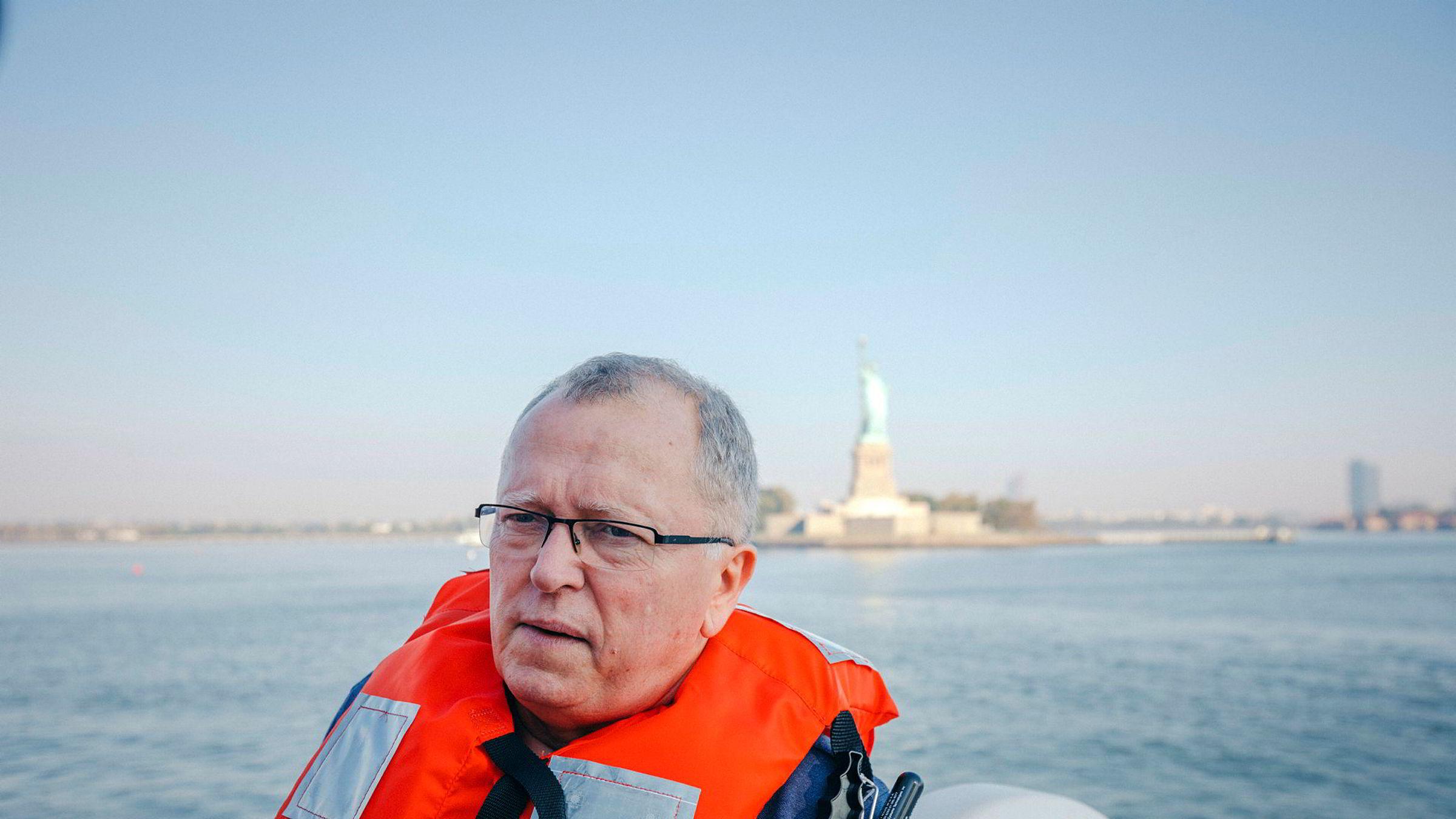 Konsernsjef Eldar Sætre i Equinor er neppe fornøyd med selskapets investeringer på land i USA. De totale nedskrivningene er på 85 milliarder kroner. Her på New York-besøk tidligere i år.